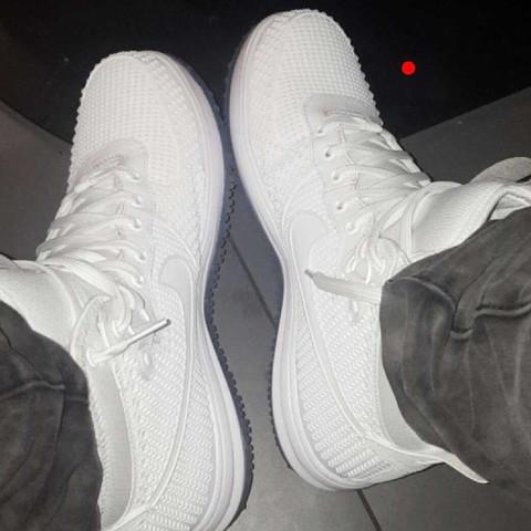 .-.-.-. - (Schuhe, apored)