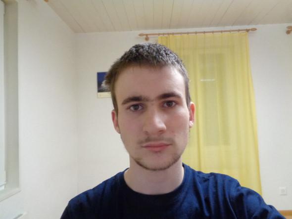 Sehe ich älter aus? - (Haare, Männer, Junge)