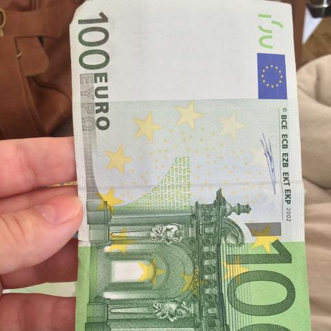 ist dieser 100 euro schein ein fehldruck geld wert stempel. Black Bedroom Furniture Sets. Home Design Ideas