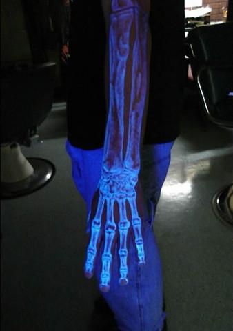 dunkel leuchten tattto - (Körper, Tattoo)