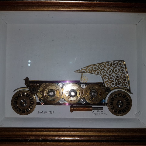 2d Bilder Von Autos In Bilderrahmen Gemacht Aus Uhr Einzelteilen Auto Auto Und Motorrad Kunst
