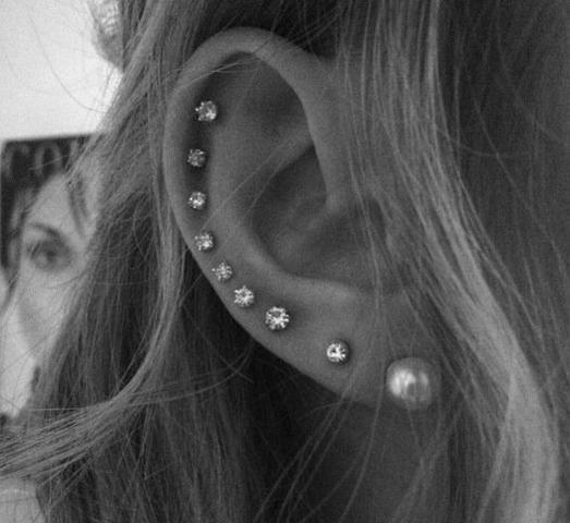 3 ohrlöcher für ohrringe Ohrringe one
