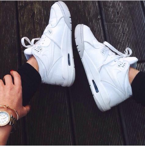 ........ - (Schuhe, Nike, Jordans)