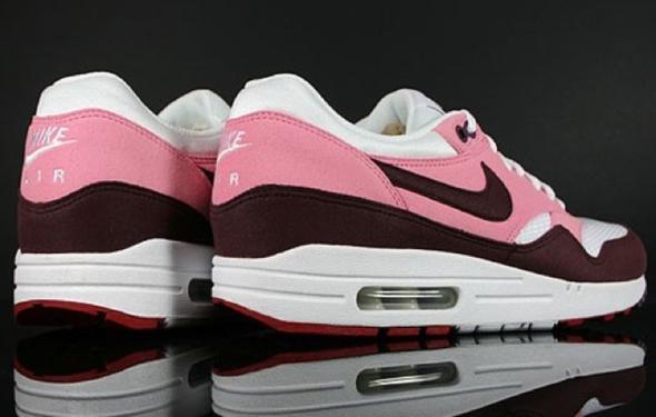 reputable site 0abe0 76bc9 Nike Air Max 1 Rosa Braun