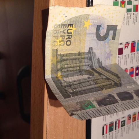 Siehe Bild  - (Geld, 5euro)