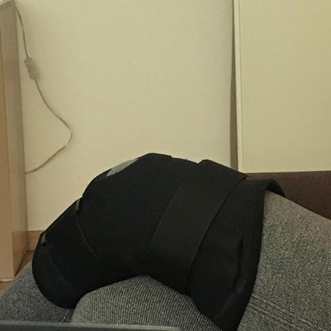 Das schwarze da  - (Knie, verletzt)