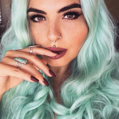 Piercing - (Beauty, Piercing)