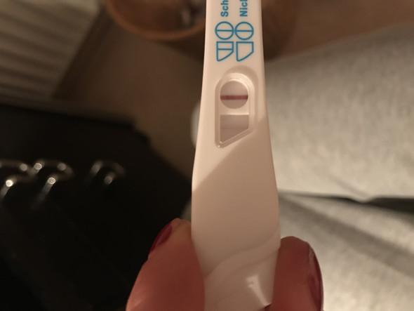 Test Nummer 2 am Nachmittag - (Schwangerschaft, schwanger, Schwangerschaftstest)