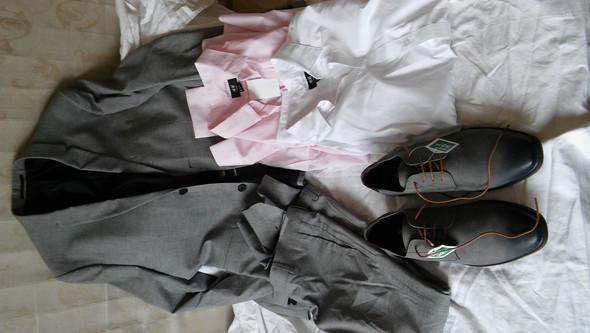 Abiball tipps f r farben bei den accessoires mode farbe anzug - Abiball fliege ...