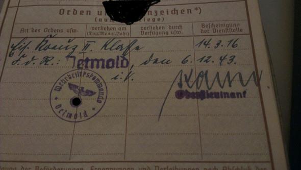 Wehrpaß Seite 23 Orden und Ehrenzeichen - (Zweiter Weltkrieg, Orden, wehrpass)