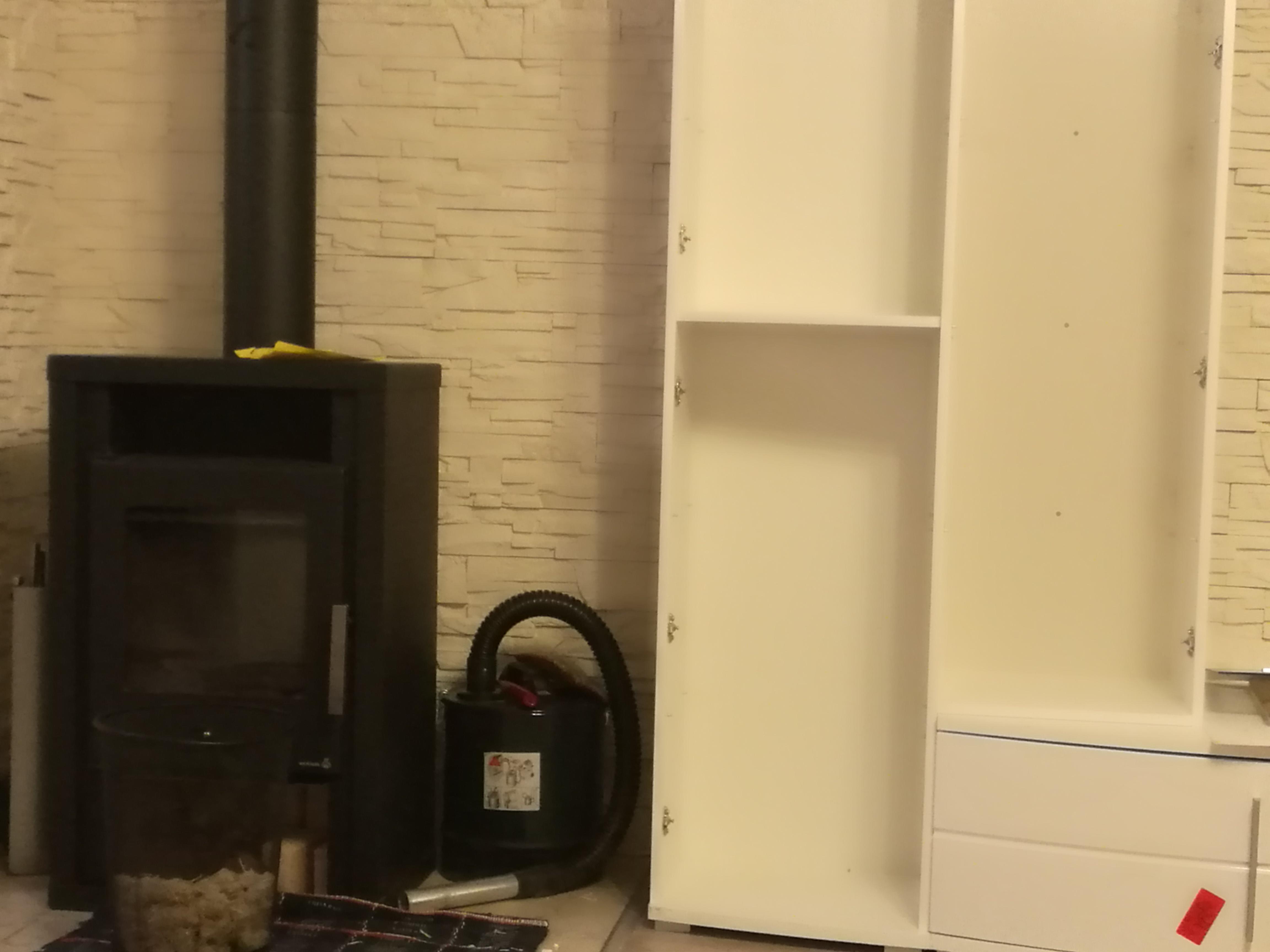 abstand zwisch holzkamin und m bel kamin. Black Bedroom Furniture Sets. Home Design Ideas