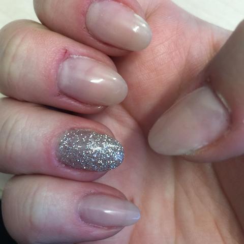 Rechte Hand - (Nägel, Nagellack, Umtausch)