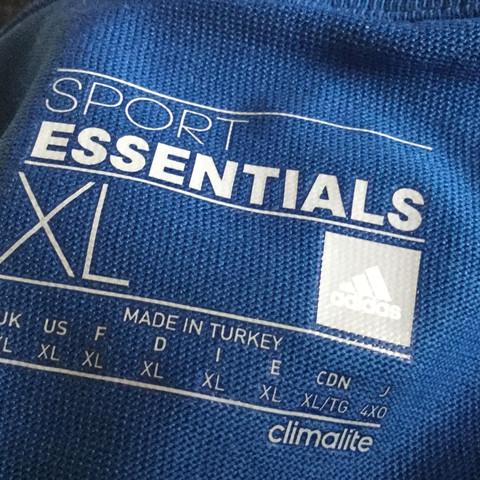 Hier Foto vom Aufdruck im T-Shirt. - (adidas, adidas-fake)