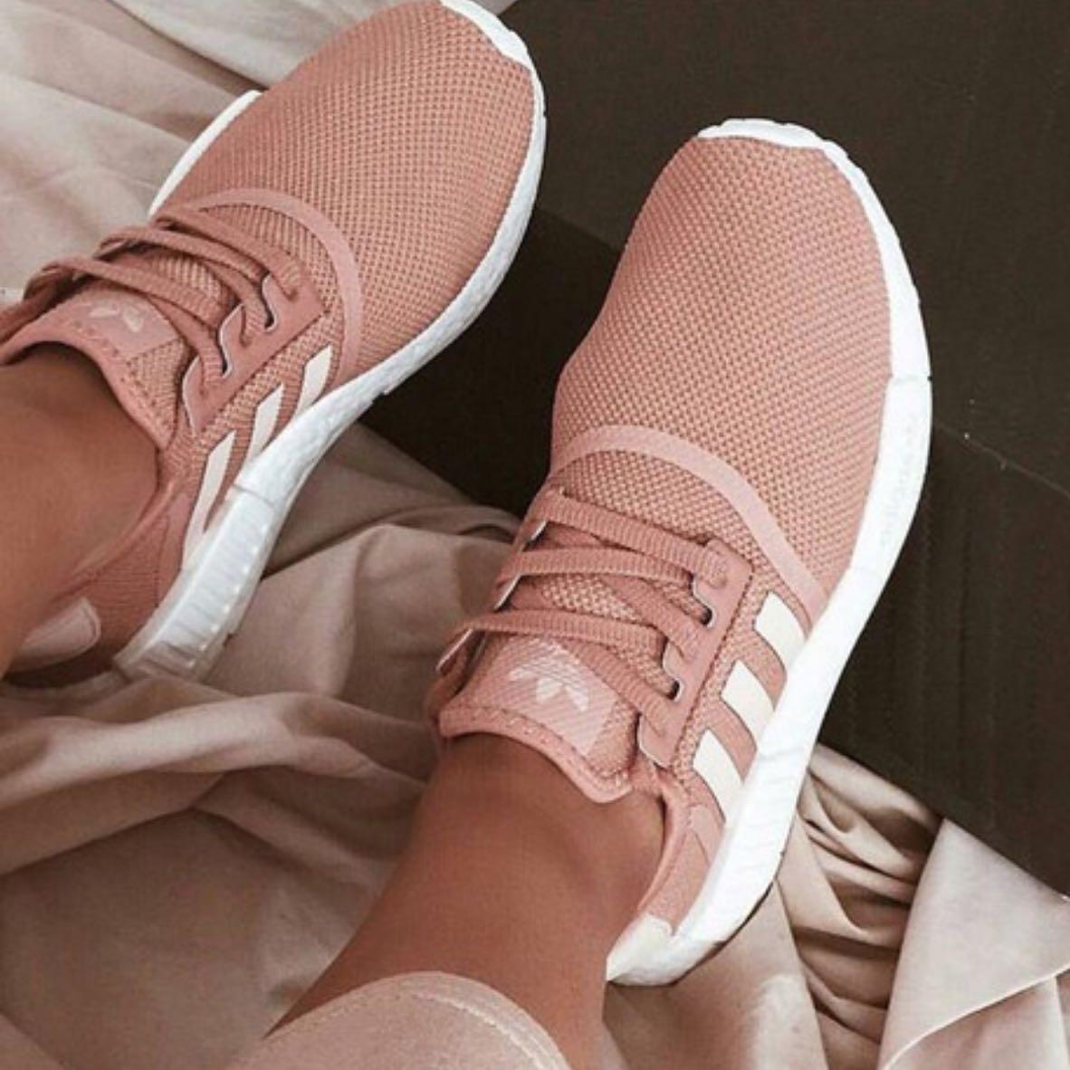 Adidas nmd r1 in raw pink? (Schuhe, Fashion)