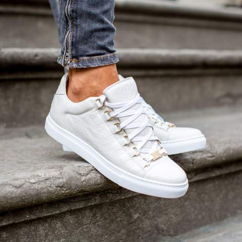 - (Sneaker, Alternative)