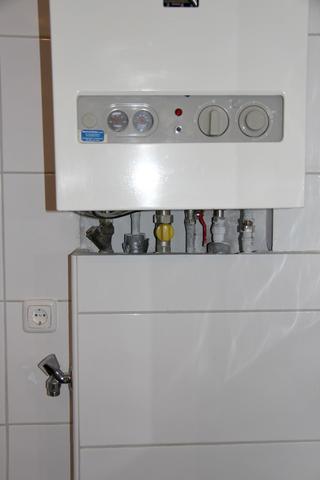 Gastherme Wasser Nachfullen Abfluss Reinigen Mit Hochdruckreiniger