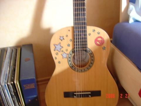 Bilduntertitel eingeben... - (Farbe, Gitarre, Lack)