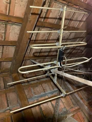 Tschechischen DOMINA auf dem Dachboden