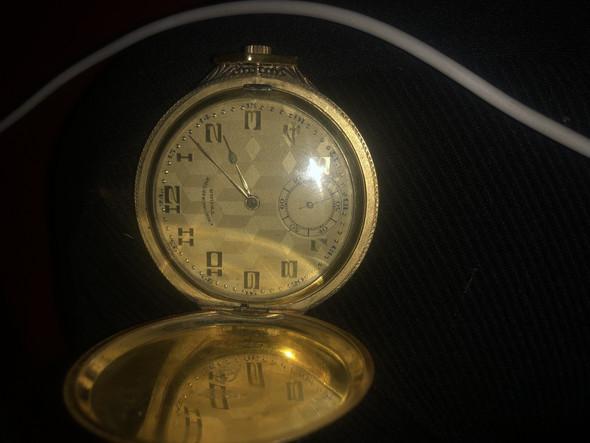 Alte Taschenuhr, kann jemand Infos geben?