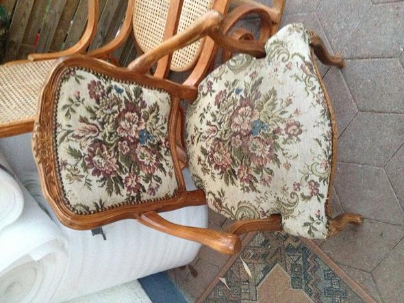 alten stuhl restaurieren wie beziehe ich die polster neu lackieren polster beziehen. Black Bedroom Furniture Sets. Home Design Ideas