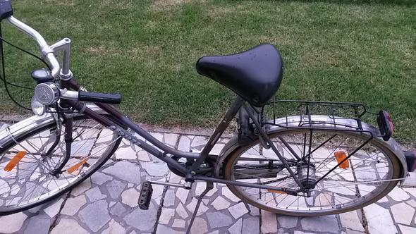 Das ist das alte Ding.:-) - (Fahrrad, alt)