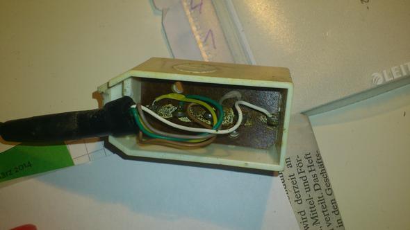 der alte Stecker von innen - (Telefon, Elektrotechnik)