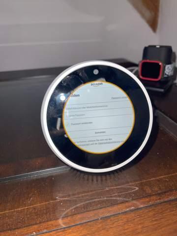 Amazon Echo Spot springt immer wieder in das Anmelde-Fenster. Lässt sich nicht anmelden.was tun?