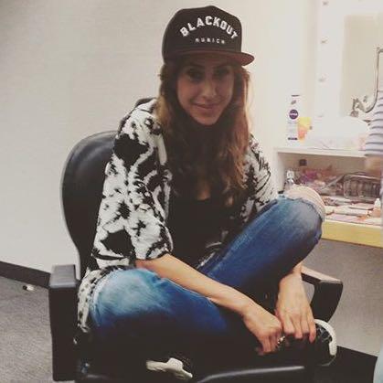 Melissa khalaj  Möchte bitte wissen welche schuhe sie trägt - (Schuhe, Jordans, bitte helfen)