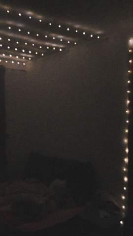 An die Decke oder an die Wand mit Bilder?