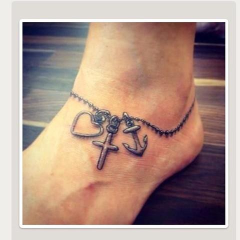 Kette - Frauentattoo - (Mädchen, Tattoo, Füße)