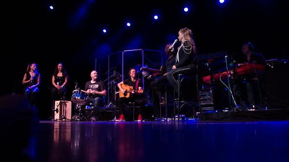 Anastacia With Band - (Musik, Namen, Konzert)
