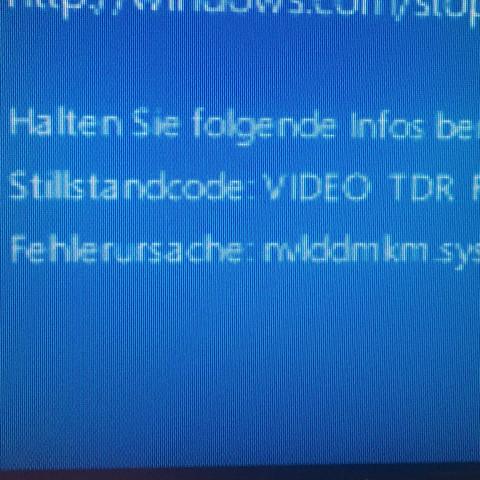 Hier ist die Fehlermeldung! - (Computer, Windows 10, blackscreen)