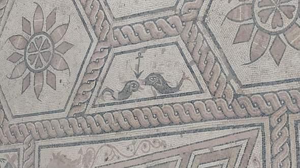 Anker und zwei Fische, christliches Symbol?