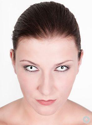 nur teilweise weiß(kann auch andere nehmen aber in diese Richtung wird`s gehen) - (Kontaktlinsen, Anlass, Funlinsen)