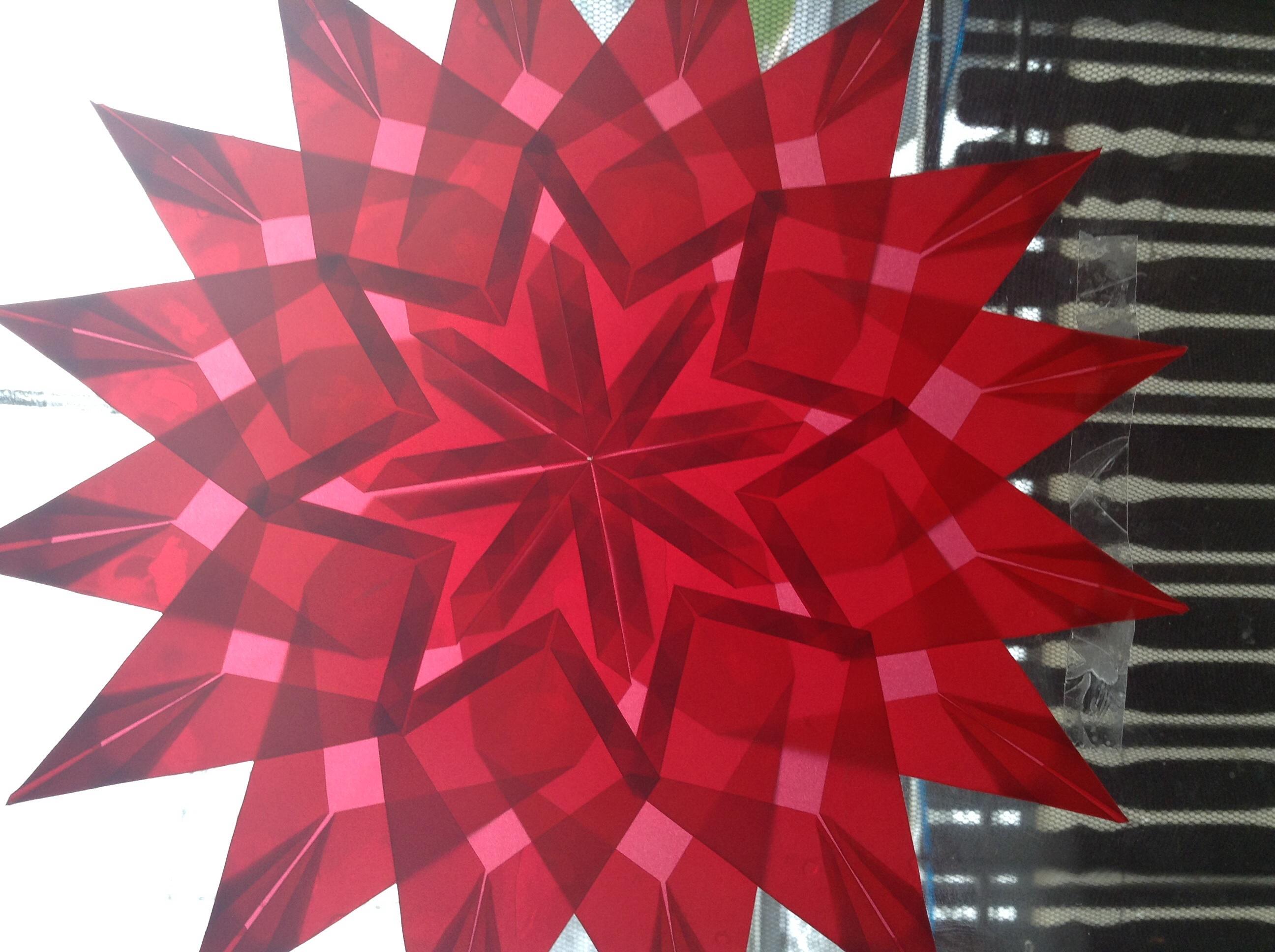 anleitung stern zu weihnachten basteln weihnachtsstern. Black Bedroom Furniture Sets. Home Design Ideas