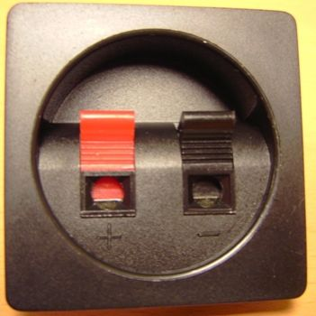Anschlussbezeichnung gesucht Audio Kabel Schwarz/Rot (Musik, Technik ...