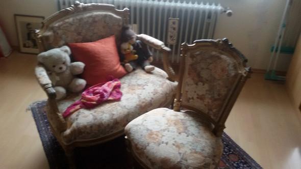 alte m bel sofa und sessel wie viel sind sie wert alt. Black Bedroom Furniture Sets. Home Design Ideas