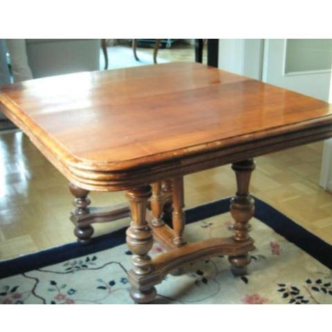 Antiker alter Tisch,wieviel wert und wo verkaufen