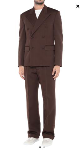 Anzug aus Polyester für festliche Anlässe empfehlenswert?