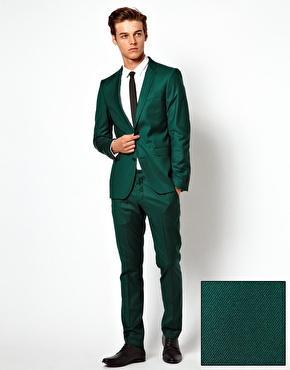 dunkelgrüner anzug