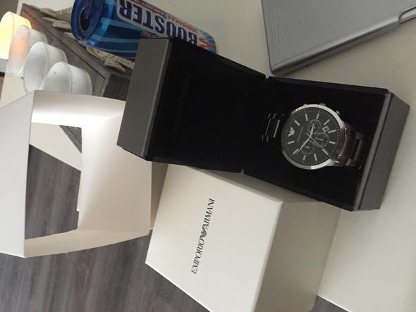 - (Uhr, Armbanduhr, Uhrmacher)