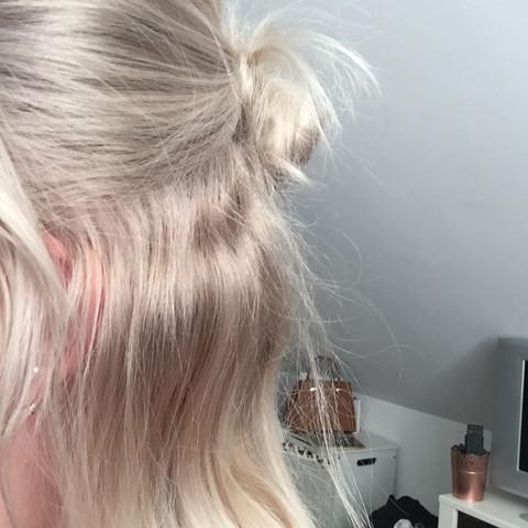 Aschblond Zu Goldblond Haare Friseur Haarfarbe