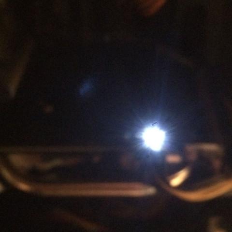 Die LED, ich weiß das Bild ist unscharf  - (Grafikkarte, Hardware, Nvidia)
