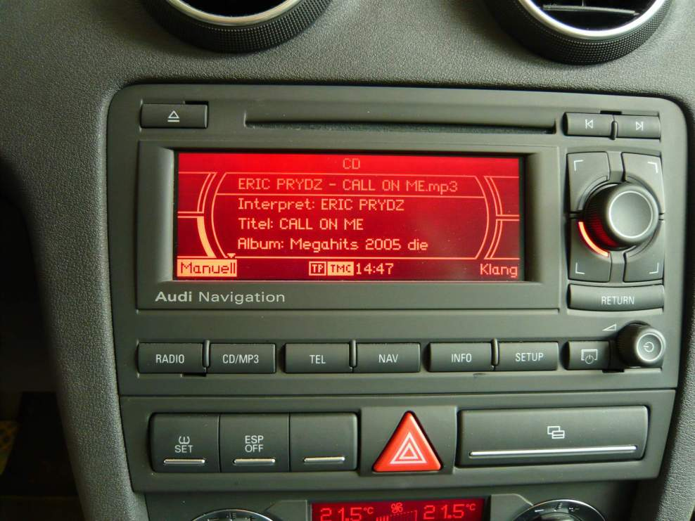 audi a3 sportback radio mit navi einfach austauschbar. Black Bedroom Furniture Sets. Home Design Ideas