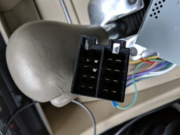 - (Audi, Autoradio Einbau)