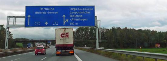 Dieses Bild - (Strassenverkehr, Autobahn, gesetzt)