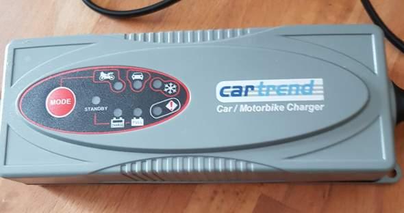Auffälligkeit beim Laden einer Autobatterie. Was könnte hier die Ursache sein?