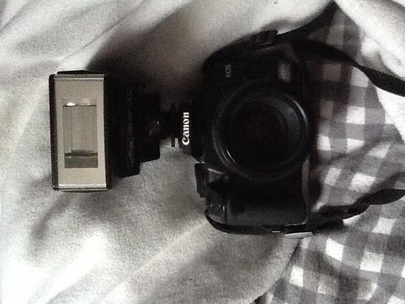 Kamera mit Aufsteckblitz 1 - (Kamera, Fotografie, Canon)