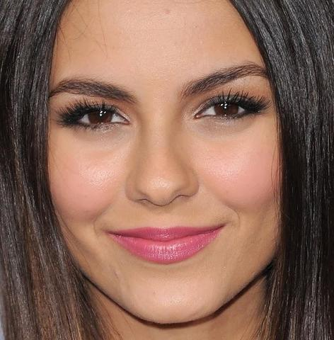augen make up wie victoria justice d schminke. Black Bedroom Furniture Sets. Home Design Ideas