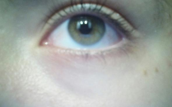 Welche genaue Augenfarbe ist das??? - (Augen, Farbe)